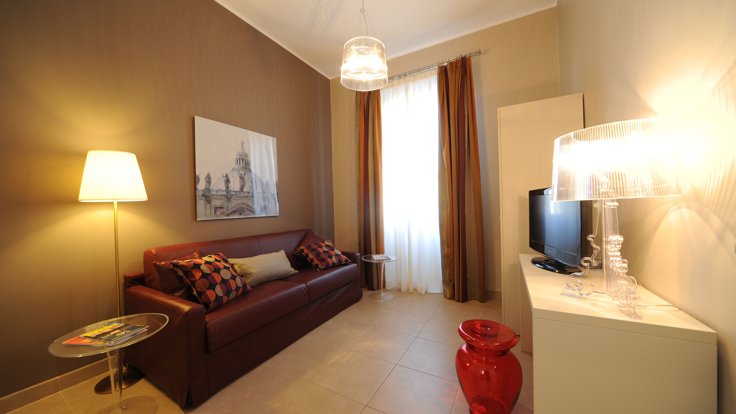 residence-trianon-two-bedroom-apartment-03