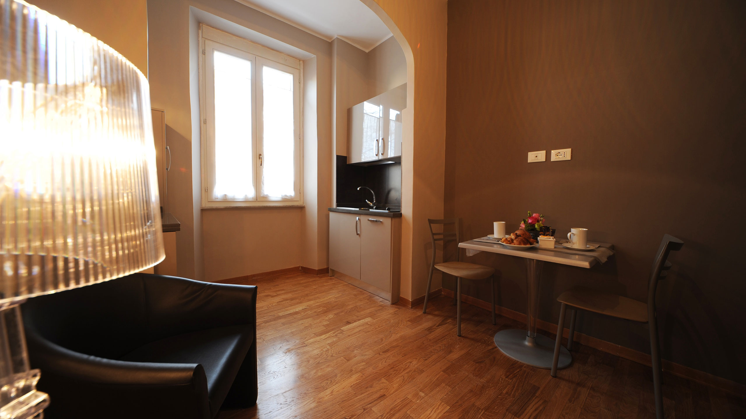 residence-trianon-small-apartment-02