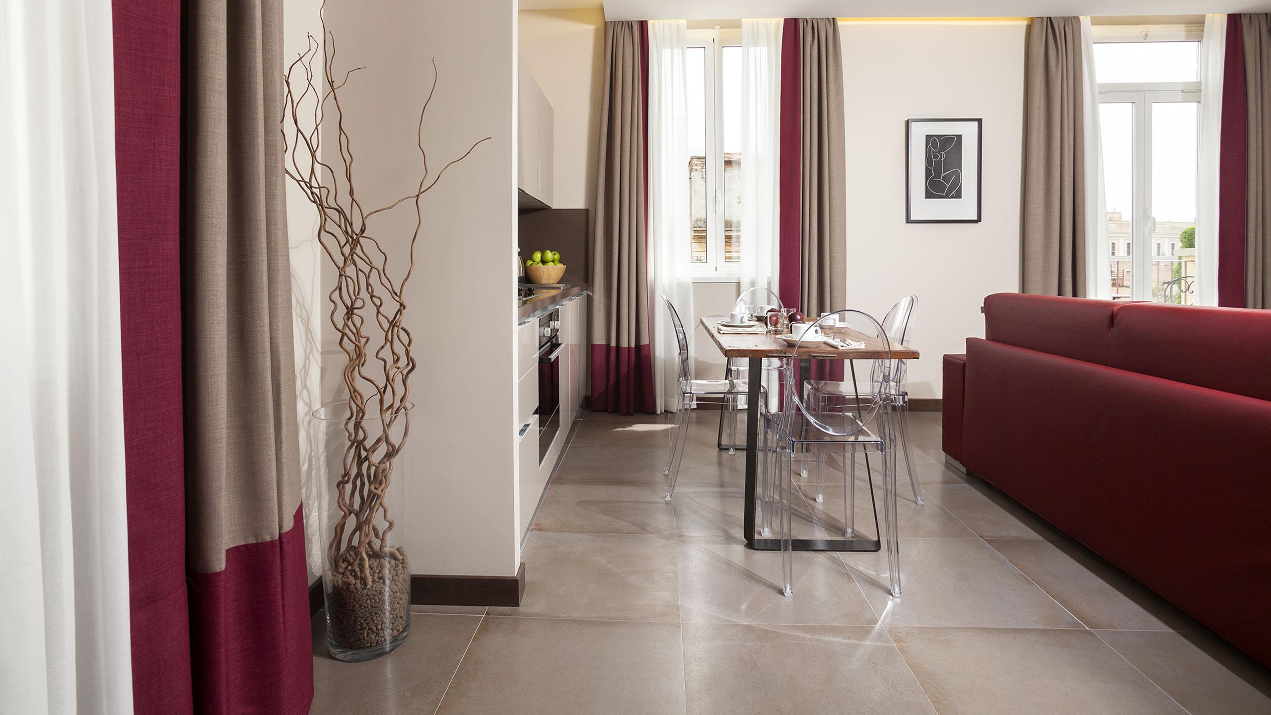 Residence-Trianon-Borgo-Pio-Roma-appartamento-superior-con-balcone-2020-soggiorno-2