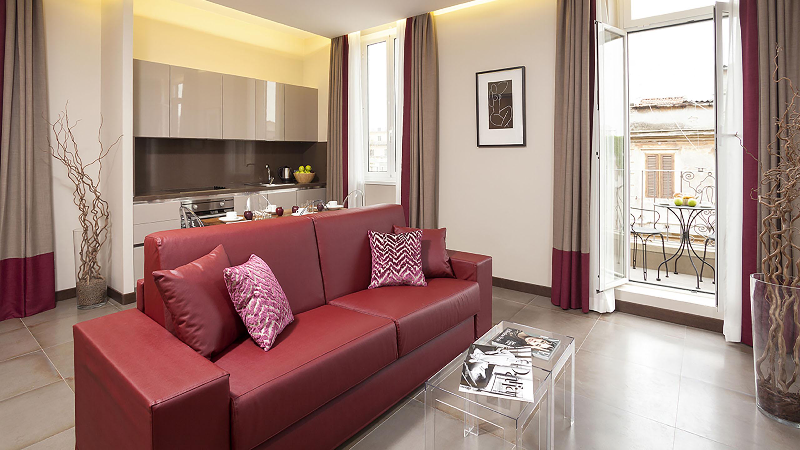 Residence-Trianon-Borgo-Pio-Roma-appartamento-superior-con-balcone-2020-soggiorno-5