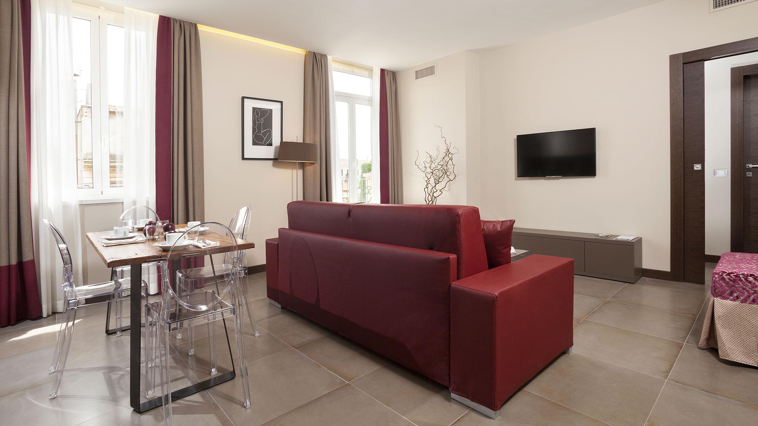 Residence-Trianon-Borgo-Pio-Roma-appartamento-superior-con-balcone-2020-soggiorno