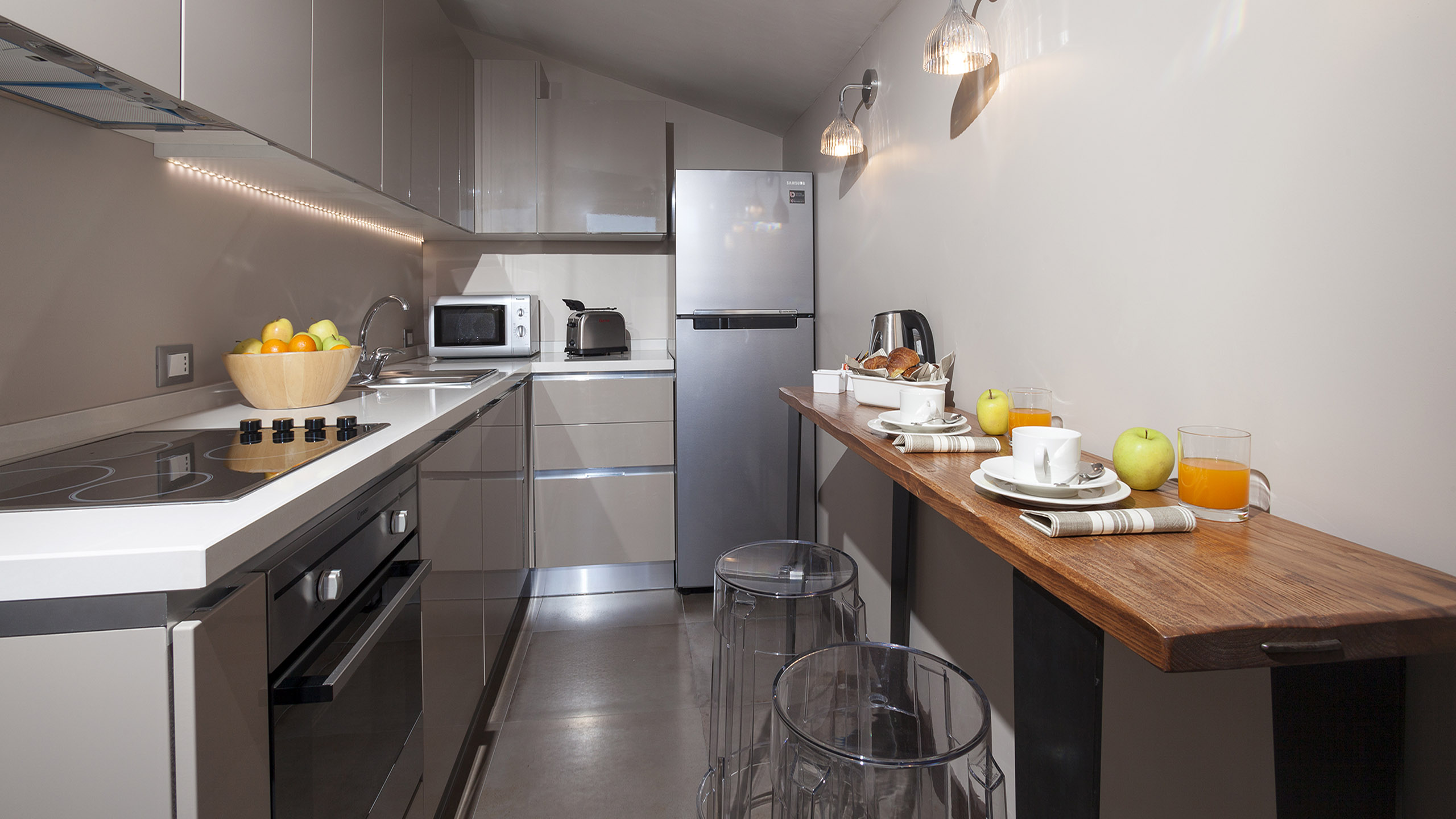 Residence-Trianon-Borgo-Pio-Roma-appartamento-superior-con-terrazza-2020-cucina