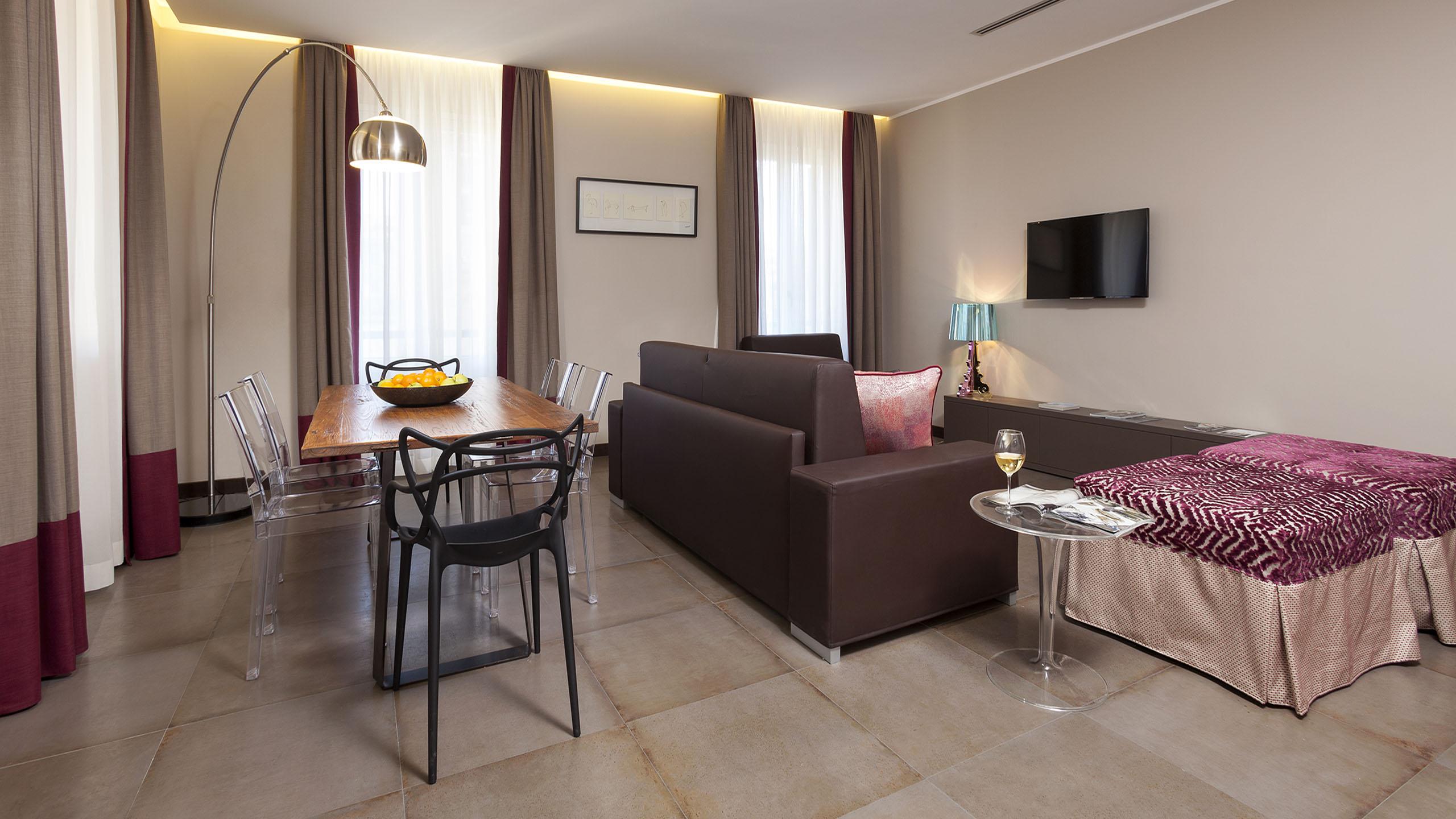 Residence-Trianon-Borgo-Roma-Pio-appartamento-superior-con-terrazza-2020-soggiorno