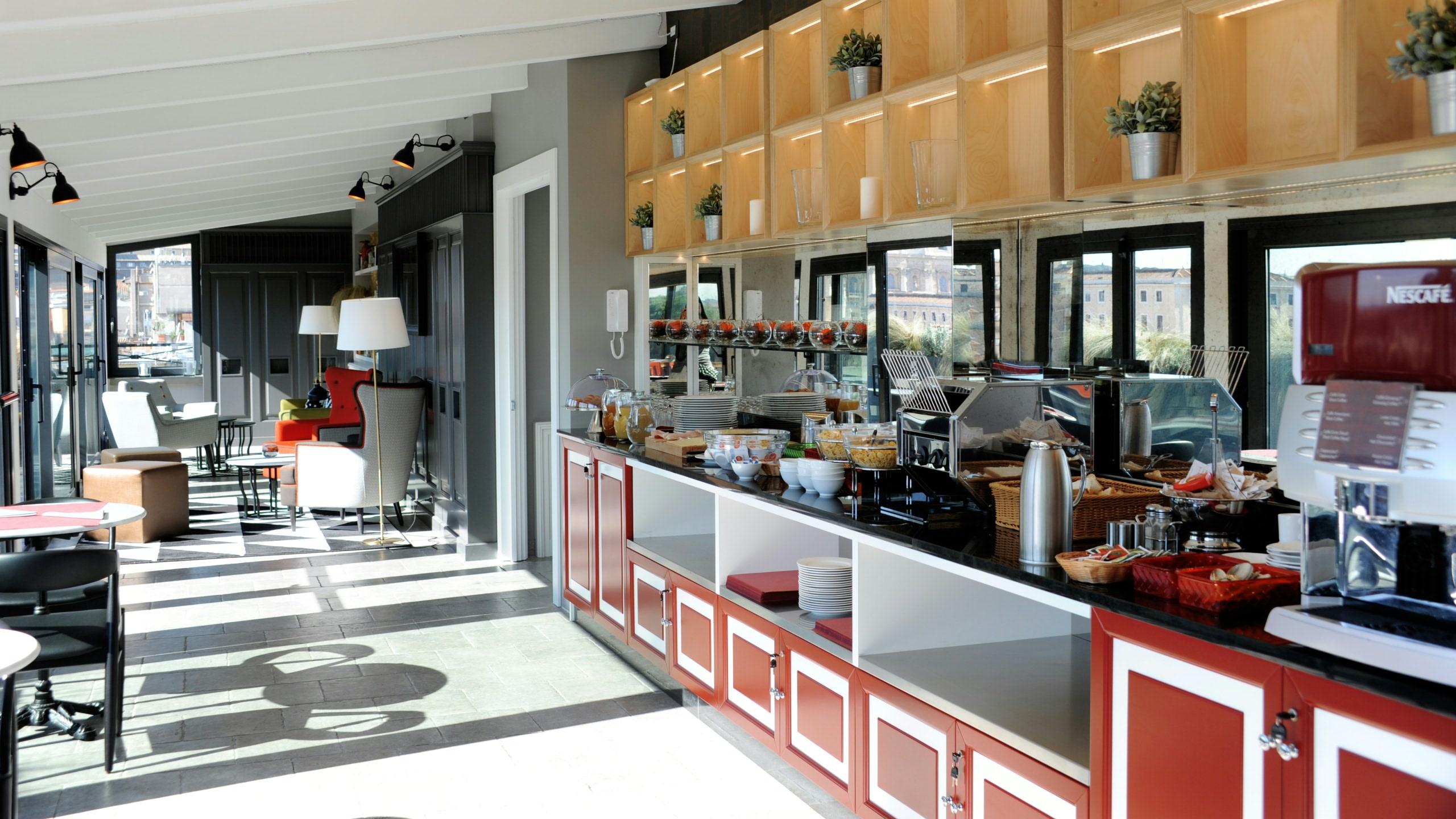 residence-trianon-rome-breakfast-in-terrace-2538