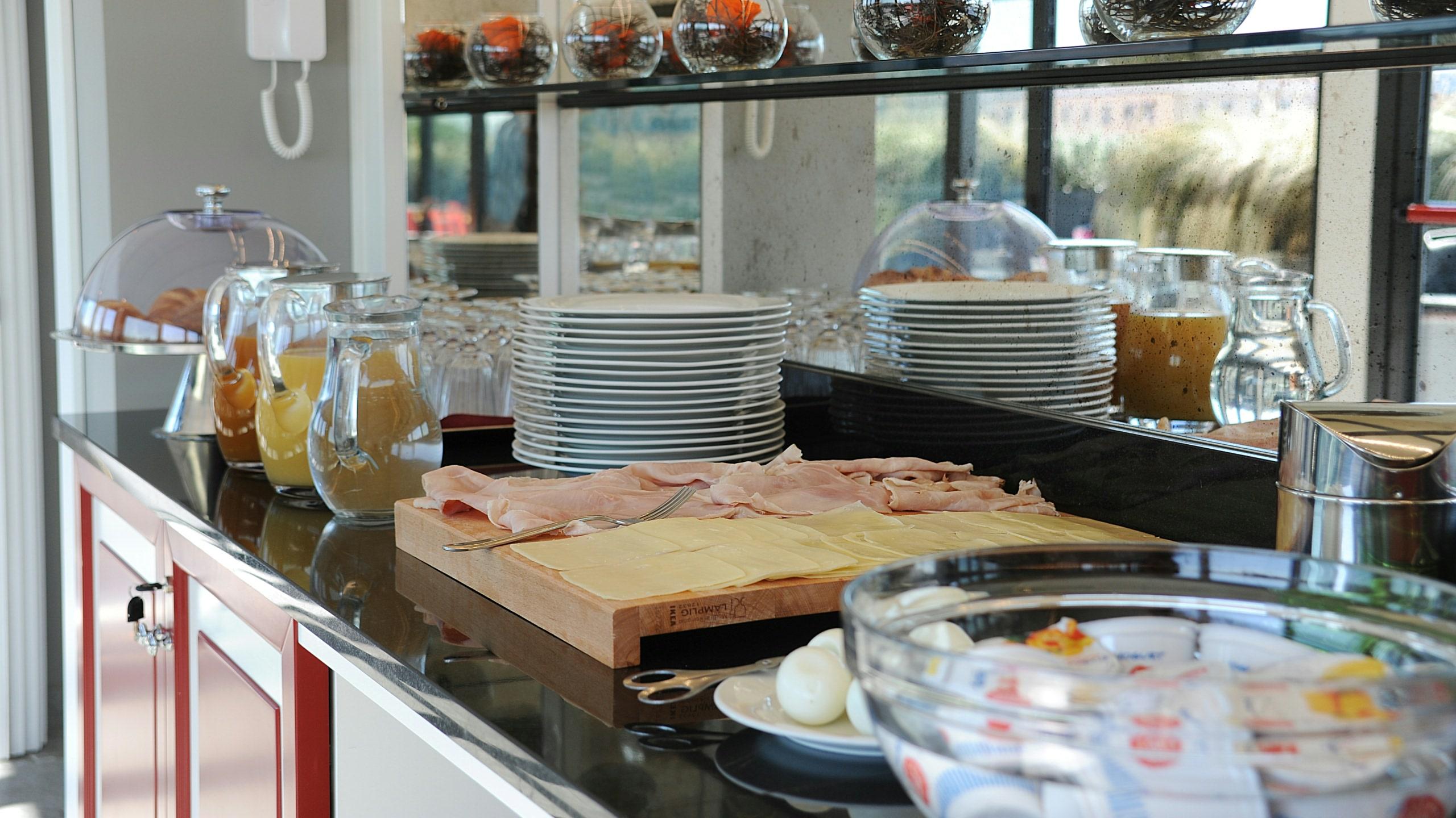 residence-trianon-rome-breakfast-in-terrace-2545