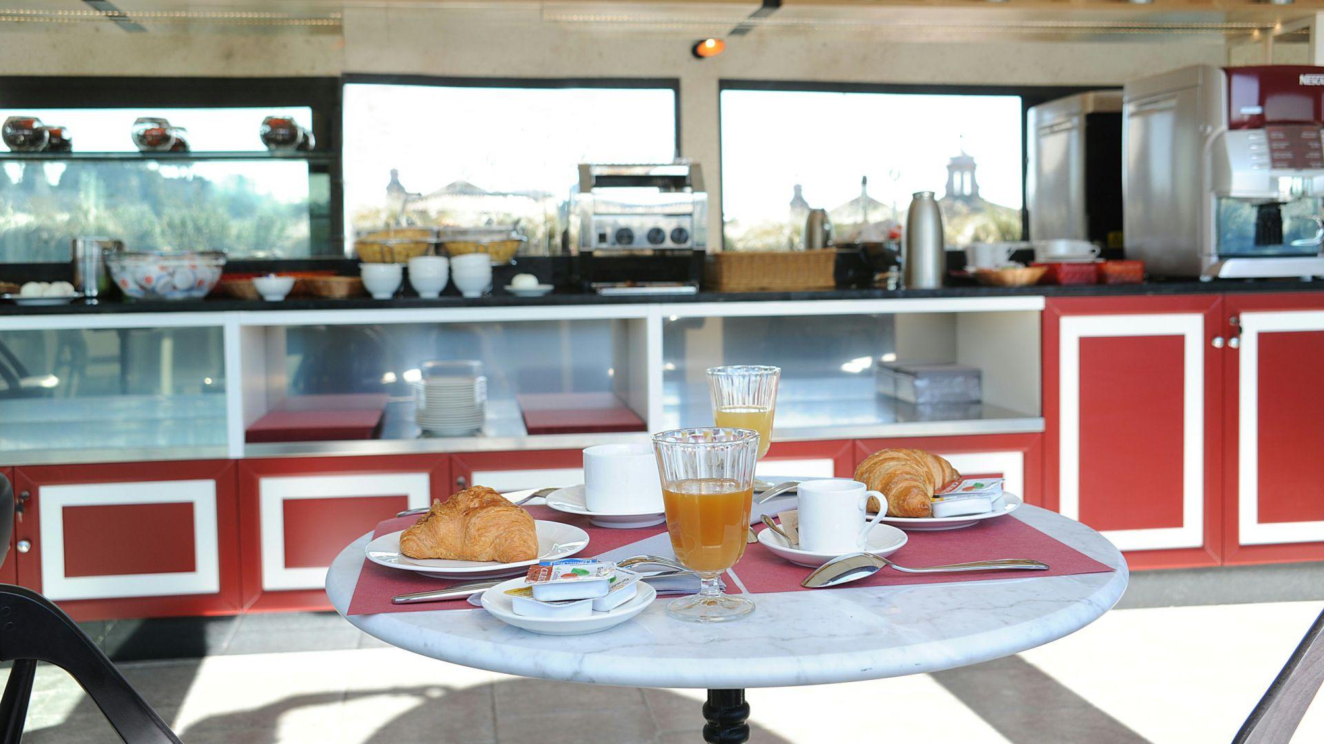 residence-trianon-breakfast-2589