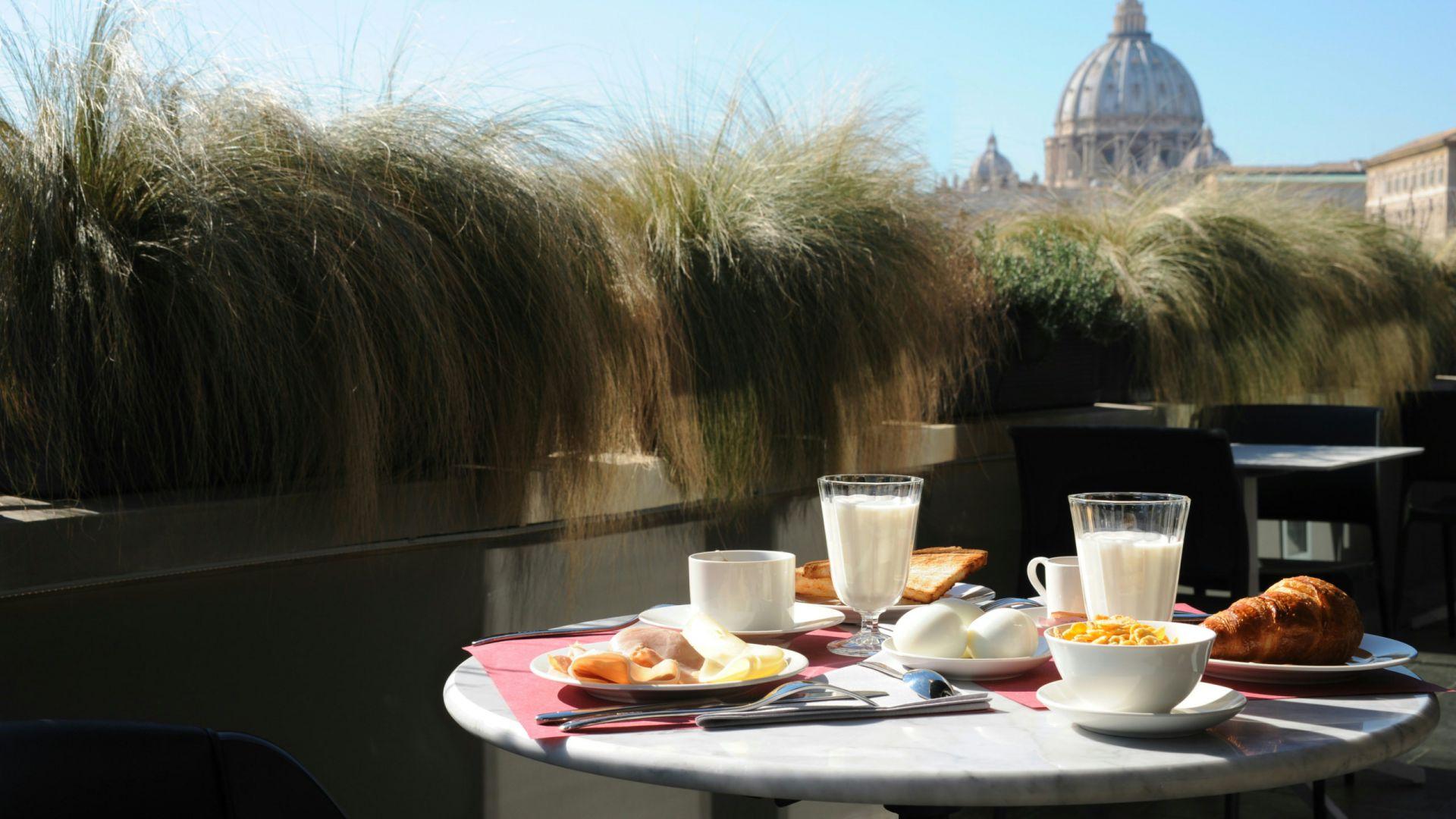 residence-trianon-rome-breakfast-in-terrace-2613